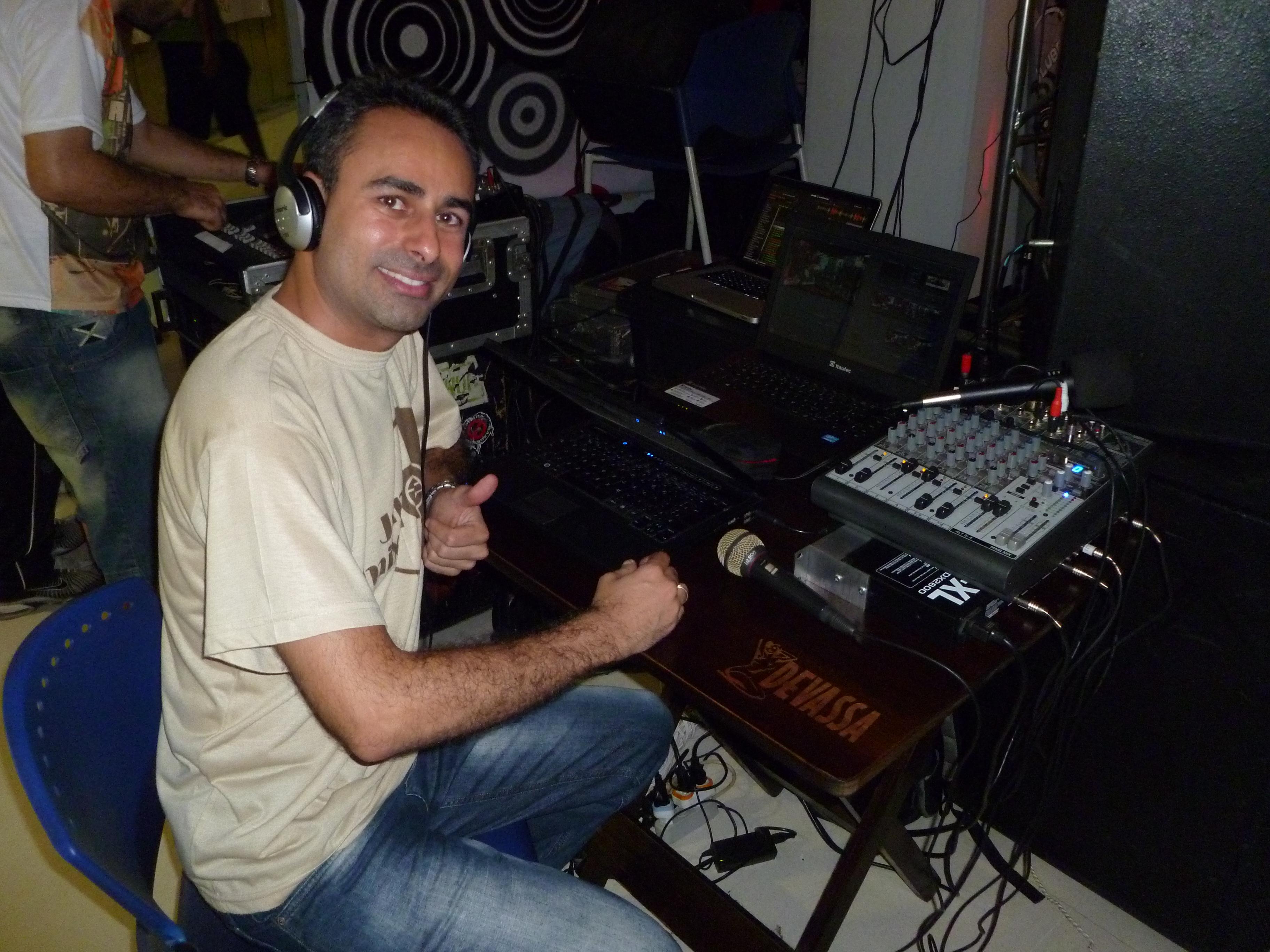 CleverDJ transmitindo ao vivo o DJ BATTLE