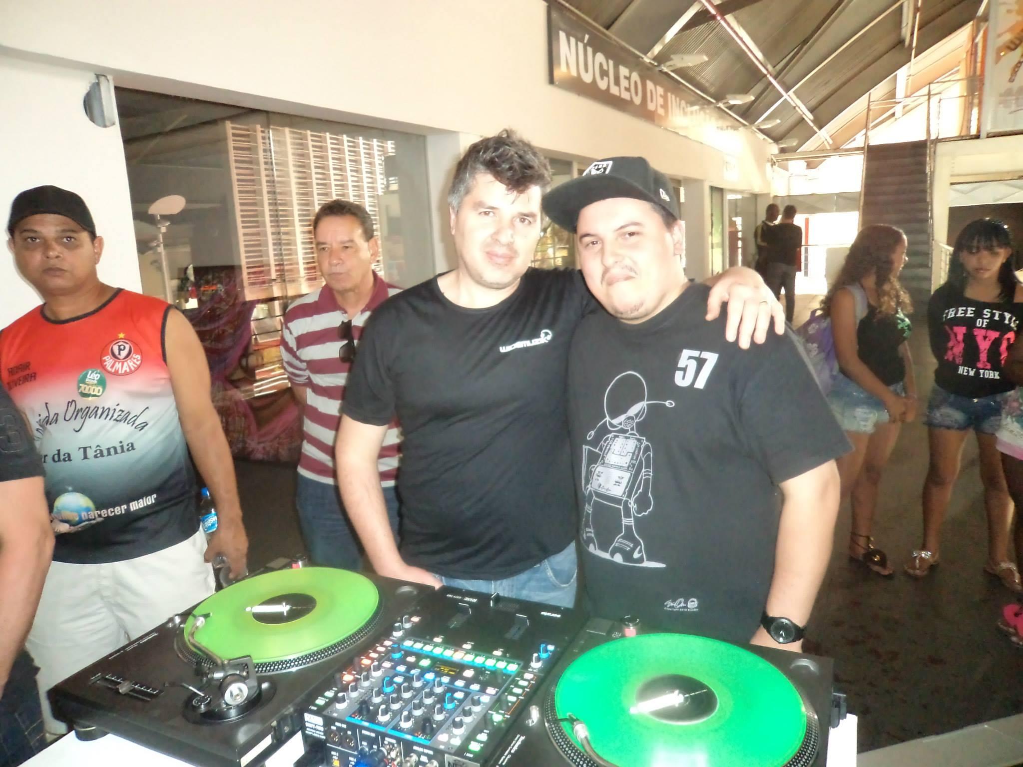 Alex Contri e DJ RM no DeeJay Day